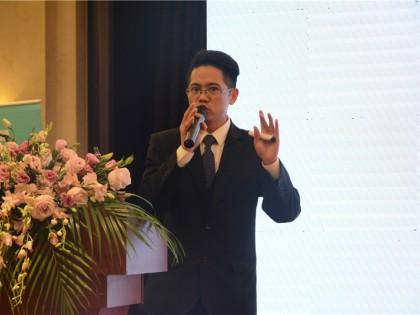 研发部工程师邓志龙先生