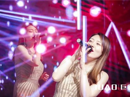 美女歌手演唱