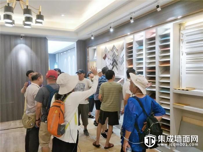 千里相聚!哈尔滨工业大学专家团参观华夏杰顶墙工厂