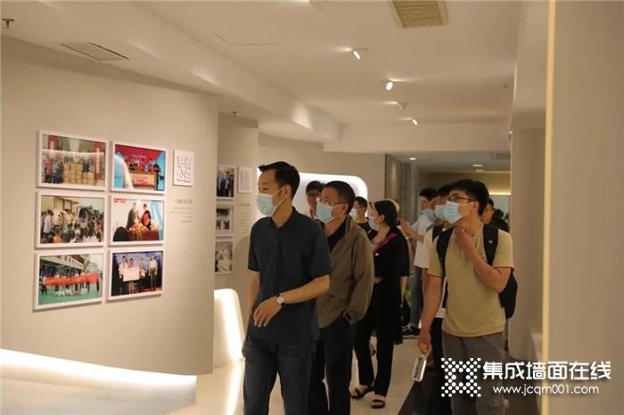 热烈欢迎顶墙文化节嘉宾 赴奥华参观考察
